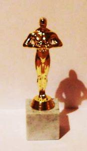 Оскар на квадратной подставке (20 см.)