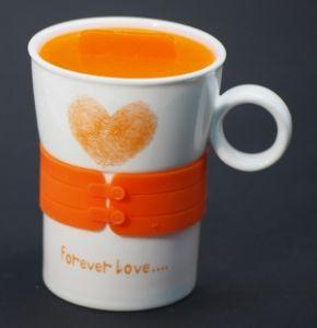 """Кружка с силиконовой оранжевой вставкой """"Сердце"""""""