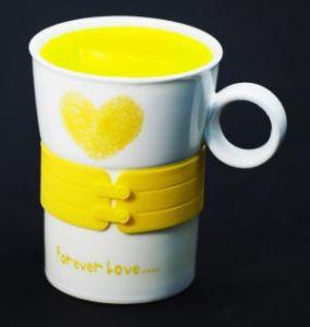 """Кружка с силиконовой желтой вставкой """"Сердце"""""""